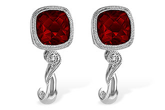 C220-26080: EARRINGS 2.36 GARNET 2.40 TGW